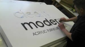 clearlymodernsign2